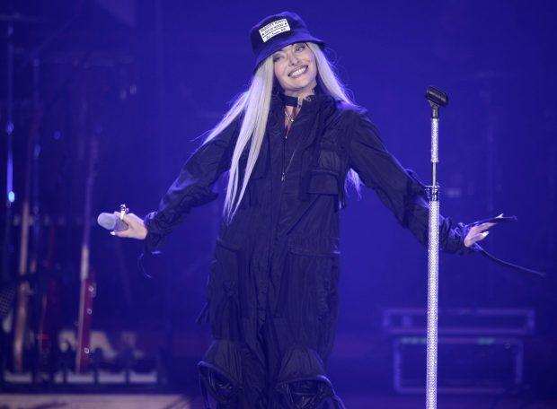 Cât iau vedetele pentru concerte? Cei mai scumpi: Loredana - 15.000 €, Delia - 12.500, Smiley - 12.000! LISTA COMPLETĂ