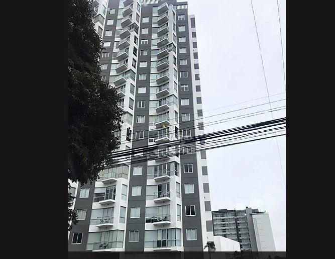 Elena Udrea locuia într-un imobil de lux în San Jose, Costa Rica, unde chiria era exorbitantă. Mânca la restaurante de fițe și plătea numai cash