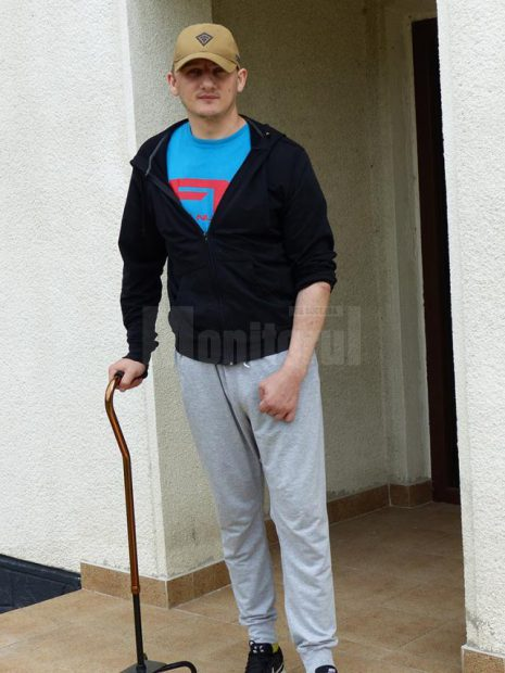 Ciprian Sfichi, polițistul lovit cu sabia în cap de un interlop, a fost dus de urgență la Spitalul Militar din București
