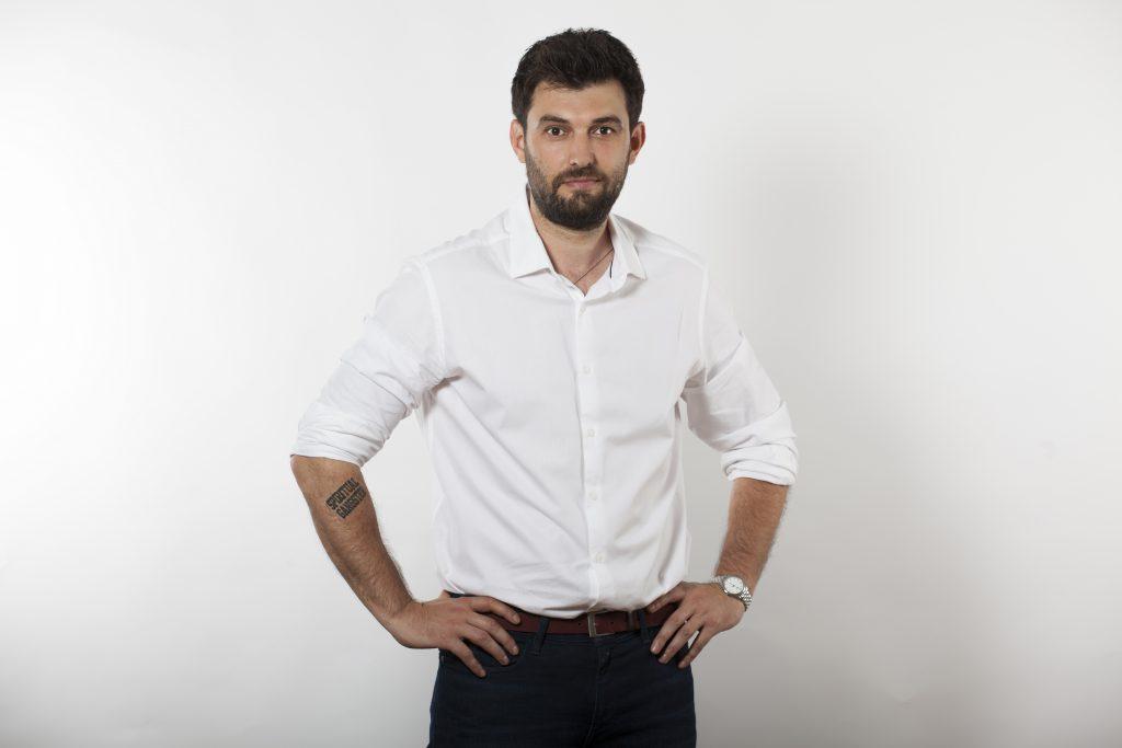 Pavel Bartoș se tunde la același hairstilist de 10 ani