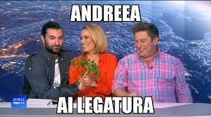 """Cu cine și de cine râde Andreea Esca. """"Suntem ca elevii aceia din ultima bancă puși pe caterincă"""""""