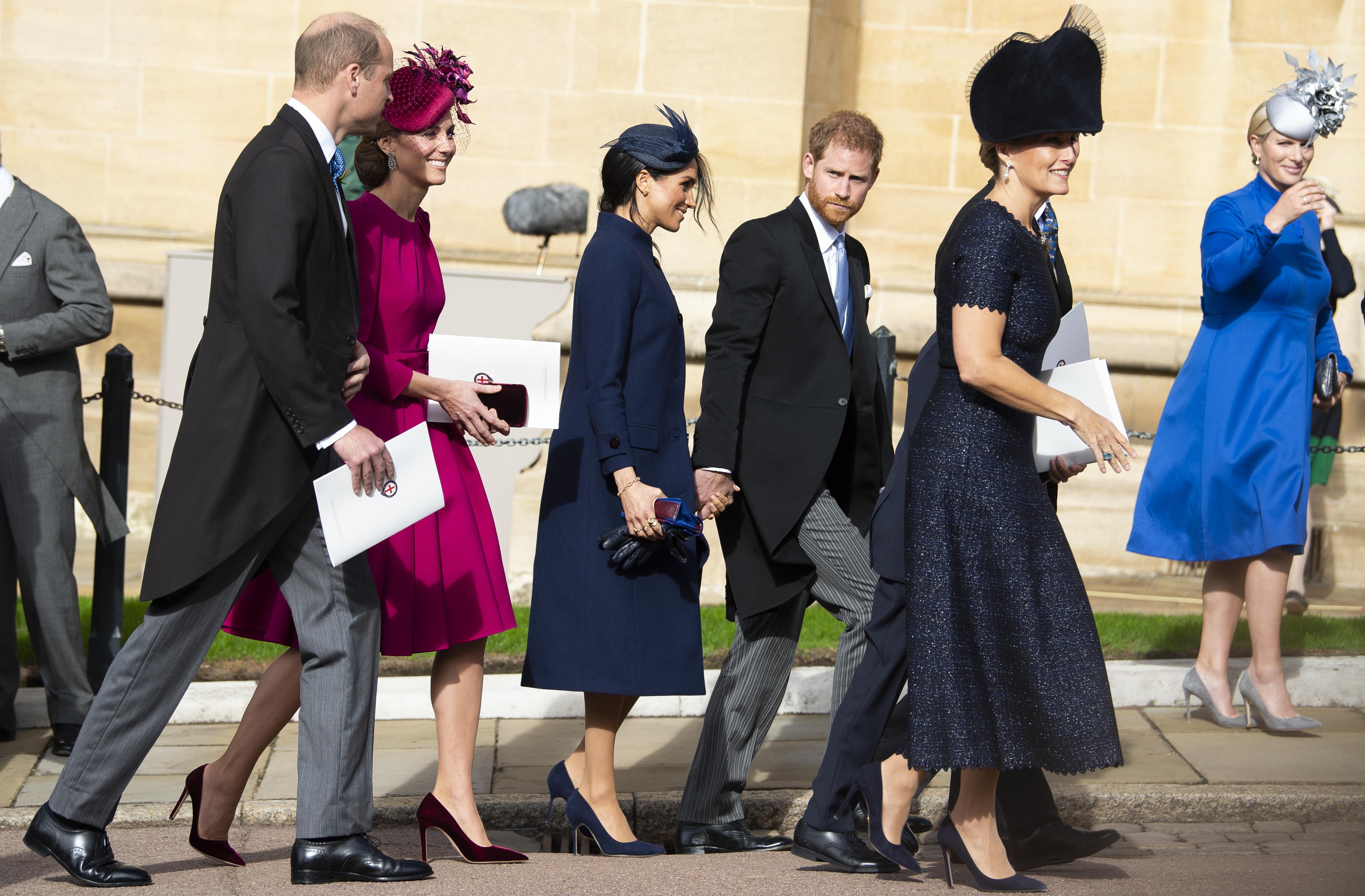 Cu Ce S Au îmbrăcat Meghan Markle și Kate Middleton La Nunta Regală