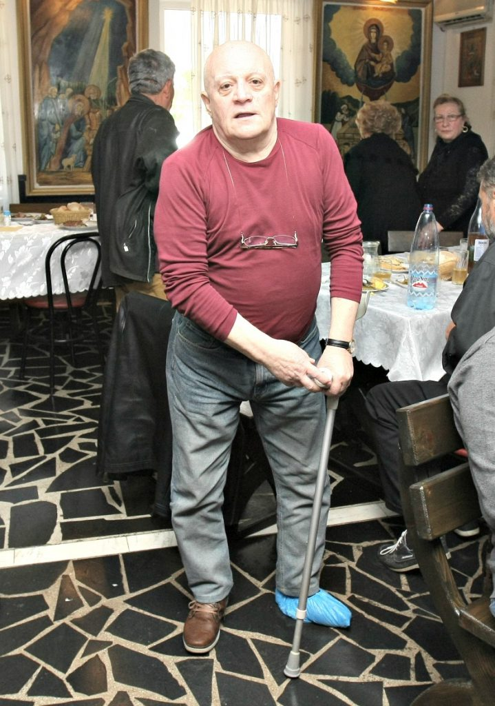 EXCLUSIV/ Operat la un picior, comicul Mihai Ioan a fost externat infectat cu bacterii nosocomiale, mortale la vârsta sa. «Sunt în așteptare, din asta nu se mai poate scăpa»