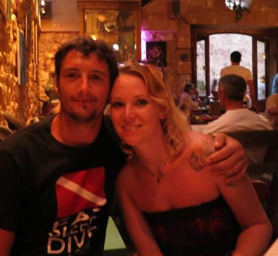 Mark Sutton, ciclistul împușcat mortal în Alpi, și-ar fi violat sora. Mark Sutton, alături de iubita sa