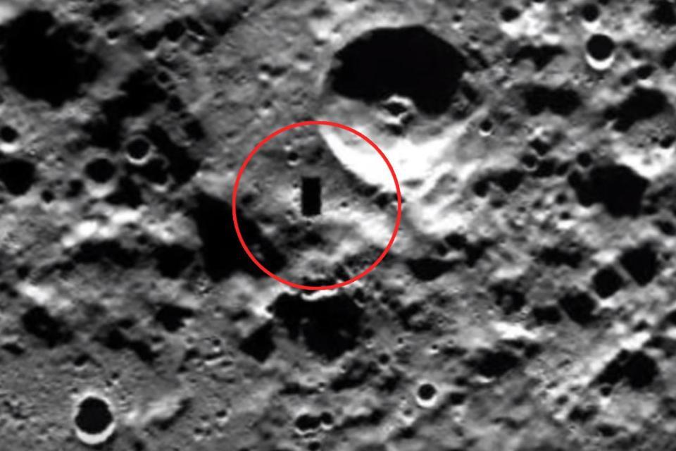 """O """"poartă pentru civilizațiile extraterestre"""" ar putea exista pe planeta Mercur, alături de 17 domuri. O sondă britanică de 1,6 miliarde de euro va limpezi misterul"""