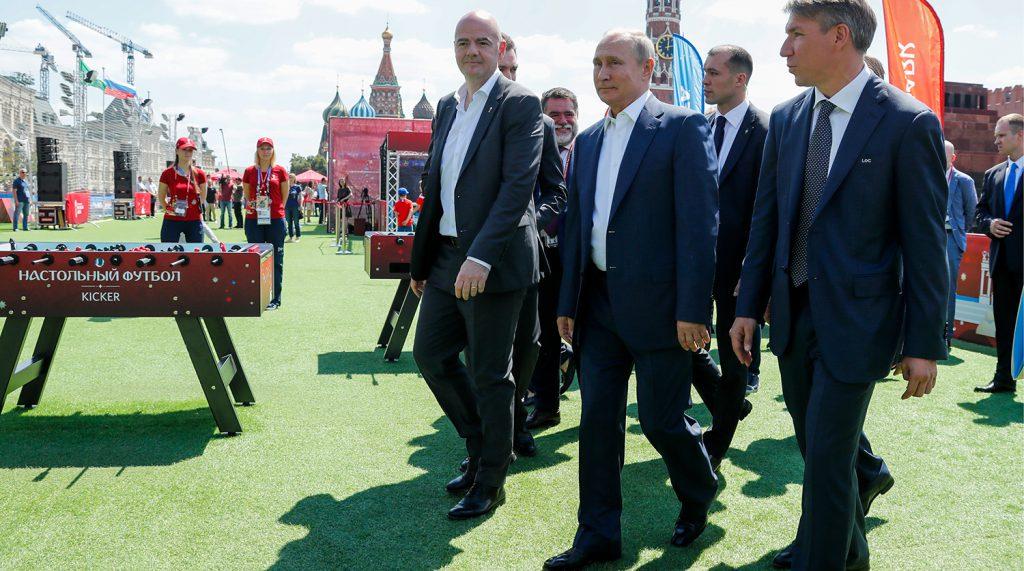 Tolo: Omul lui Putin vine la București pe bani dați de Dăncilă și Firea! Agent al discriminării, finanțat de Coca-Cola și P&G fără să știe!