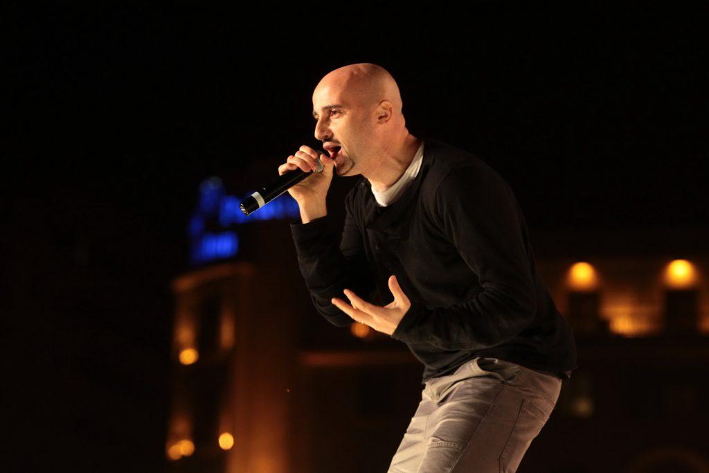 Adevăratele meserii ale cântăreților! Muzica românească, făcută de ingineri, avocați și profesori!