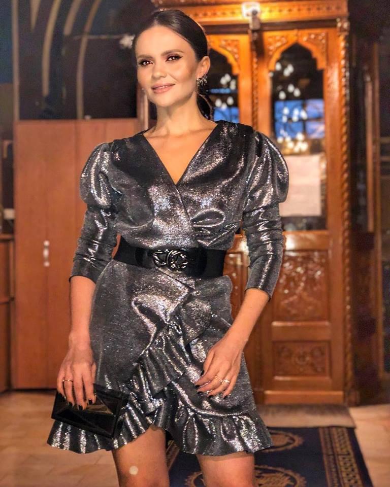Așa s-a îmbrăcat Cristina Șișcanu la biserică, la botezul fiicei Adelinei Pestrițu
