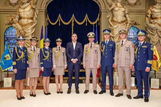 Alexandru Ciucu a realizat designul, tiparele și prototipurile noilor uniforme ale Armatei Române