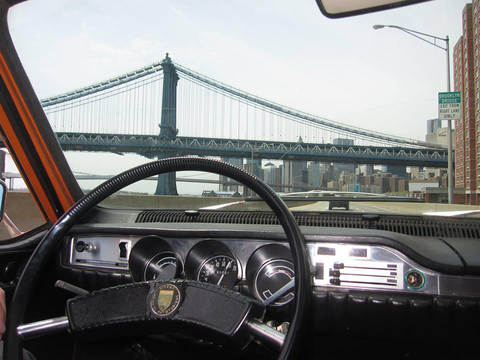 VIDEO / De 1 Decembrie, omagiu pentru România de peste Ocean. Cu Dacia 1300, pe străzile din New York