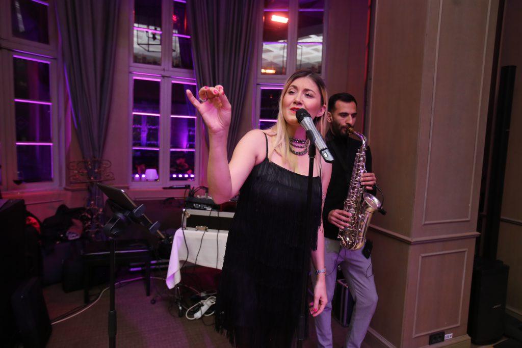 Cântăreața Dalma Kovacs e însărcinată