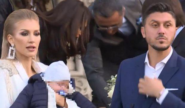 FOTO | Ciprian Marica și-a botezat copilul. Cristi şi Adelina Chivu au fost naşii băiețelului