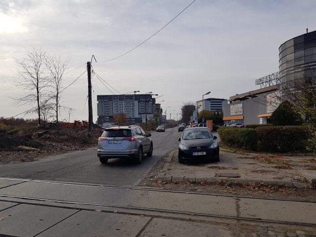 Pe şoseaua Fabrica de Glucoză au început, în octombrie, lucrările de lărgire a drumului, dar vor mai dura încă aproximativ un an şi jumătate până vor fi gata