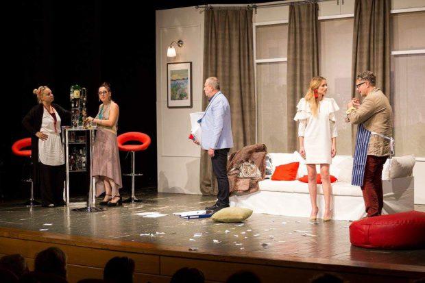 """Actorii care jucau cu Busu în piesă sunt în stare de șoc. Adelaida Zamfira: """"Nu putem decât să ne rugam pentru el"""""""
