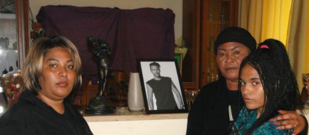 Răsturnare de situație în cazul fostului model român găsit mort în casă. Mama lui Constantin Toma vorbește despre o crimă!