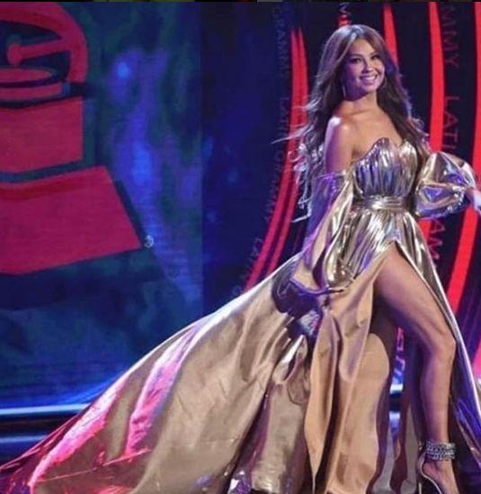 Thalia, probleme tehnice pe scenă, la concert. Nevoită să cânte live. Cum se aude vocea ei de fapt | VIDEO
