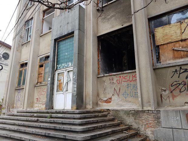 Primăriile bâjbâie prin buncărele birocrației! Care e situația adăposturilor publice antidezastru aflate în administrarea consiliilor locale