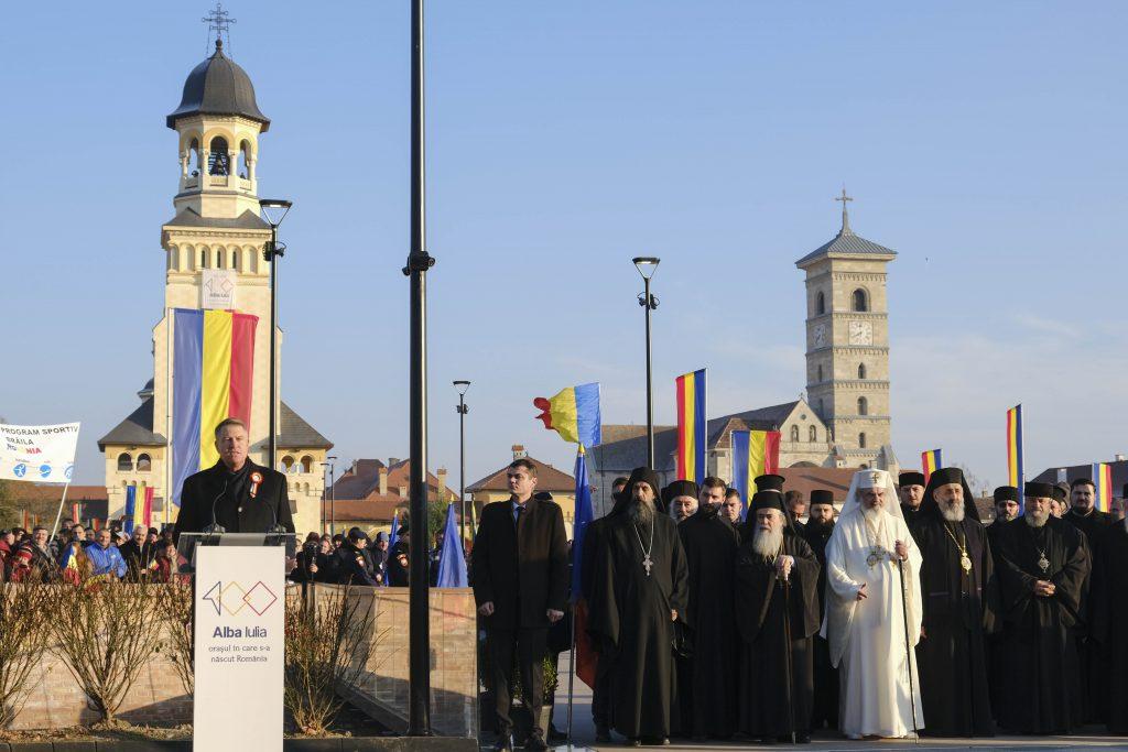FOTO & VIDEO| La mulți ani, România! Parada militară de la Alba Iulia s-a încheiat