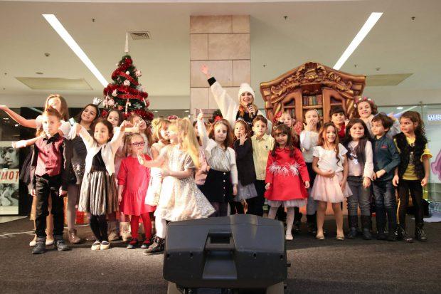 Alex Velea și alte vedete au petrecut alături de Moș Crăciun
