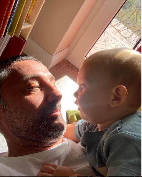 Andi Vasluianu e bonă pentru copiii lui. Și-a asumat acest rol printr-un pact făcut cu soția la începutul relației