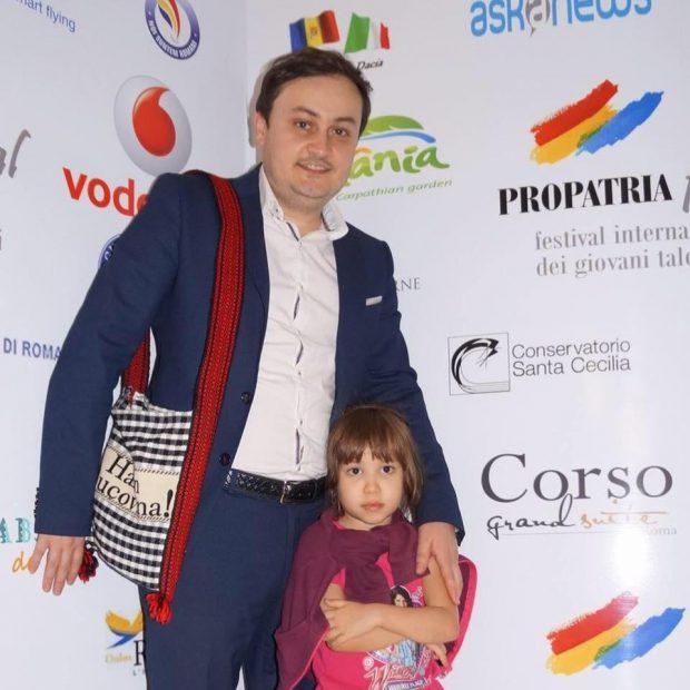 Consilierul judeţean din Vrancea care trăieşte de 16 ani în Italia şi vine mai des la şedinţe decât Marian Oprişan. Străbate lunar 4.300 km!