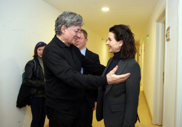 Juliette Binoche și Ion Caramitru, la TNB FOTO: Florin Ghioca