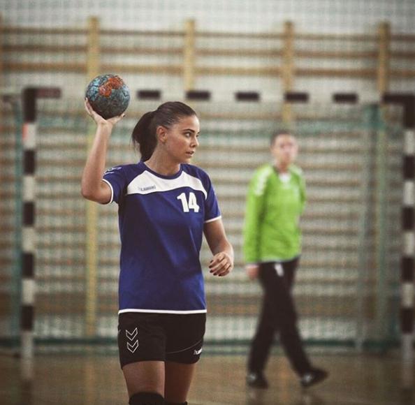 Cele mai frumoase sportive din lume. LOCUL 3: Corina Biriș (20 de ani, România, handbal) | FOTO și VIDEO