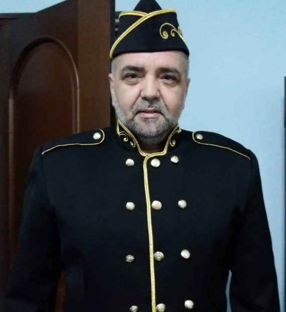 Ce cadou inedit i-a făcut Daniel Iordăchioaie tatălui său. A cerut să îmbrace haina militară!