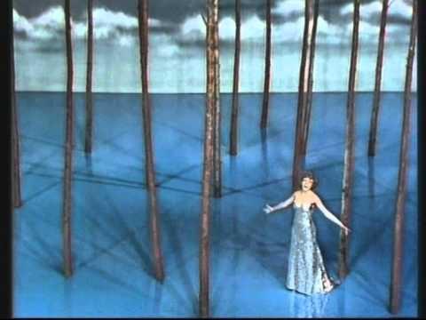 Cântăreața care a oprit timpul, la fel ca-n celebra ei piesă! Corina Chiriac era, în urmă cu 40 de ani, vedeta primului show TV color din România!