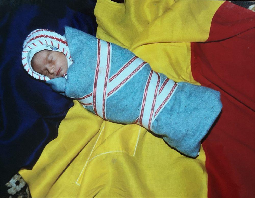 COPIII REVOLUȚIEI. Victoria Chiticariu a văzut lumina zilei pe 20 decembrie 1989, la Timișoara, iar nașterea ei a fost anunțată în balconul Operei