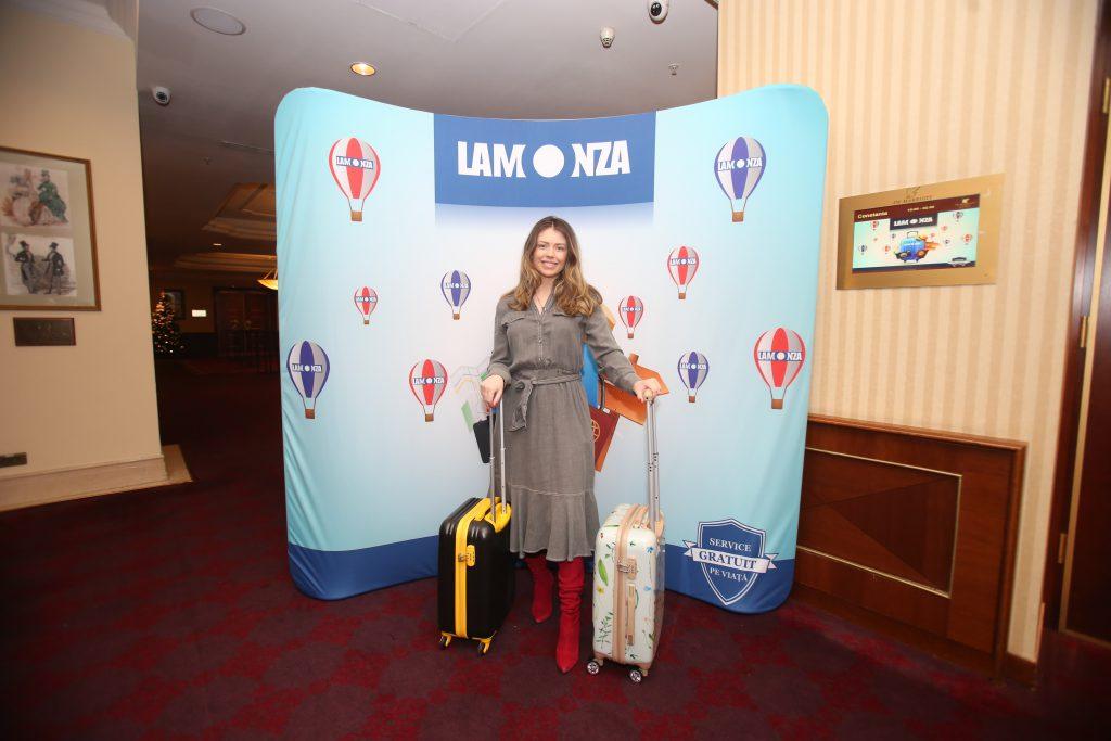 Sora Elenei Gheorghe și-a făcut abonament la cursele aeriene
