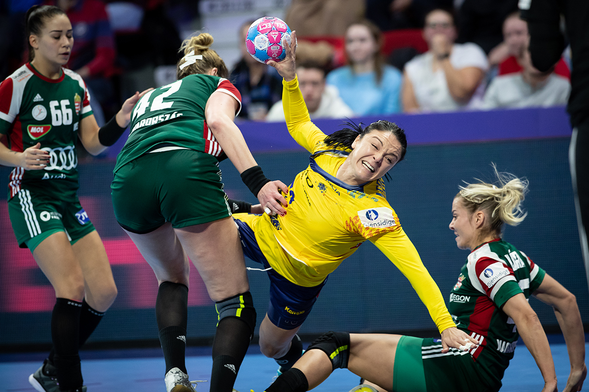 UPDATE | România a pierdut cu Ungaria, dar s-a calificat în semifinalele Euro 2018 de handbal feminin. Ambros a luat foc