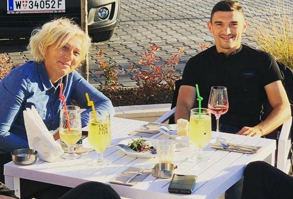 EXCLUSIV/ Revelion cu patronul Keșeru! Fotbalistul face echipă cu mama lui