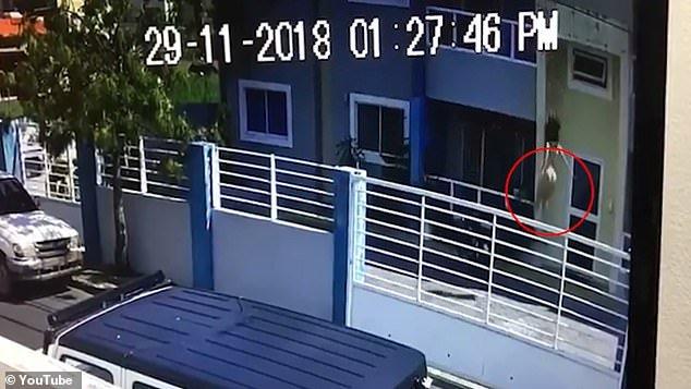 O prezentatoare TV a căzut în gol de la etajul al treilea. Momentul tragediei, filmat