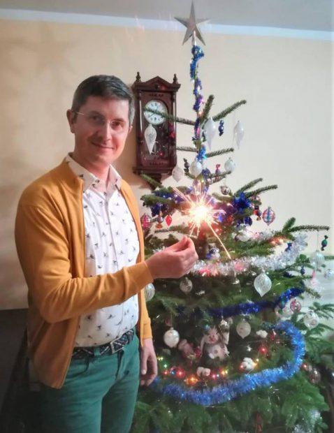 Urările politicienilor, de Crăciun. Fotografii cu familia şi clipuri video pe Facebook