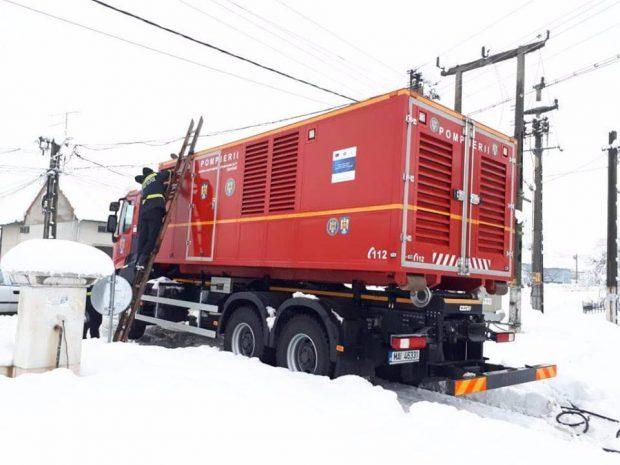Pompierii din Timiș și Caraș-Severin au lucrat aproape non-stop, în weekend