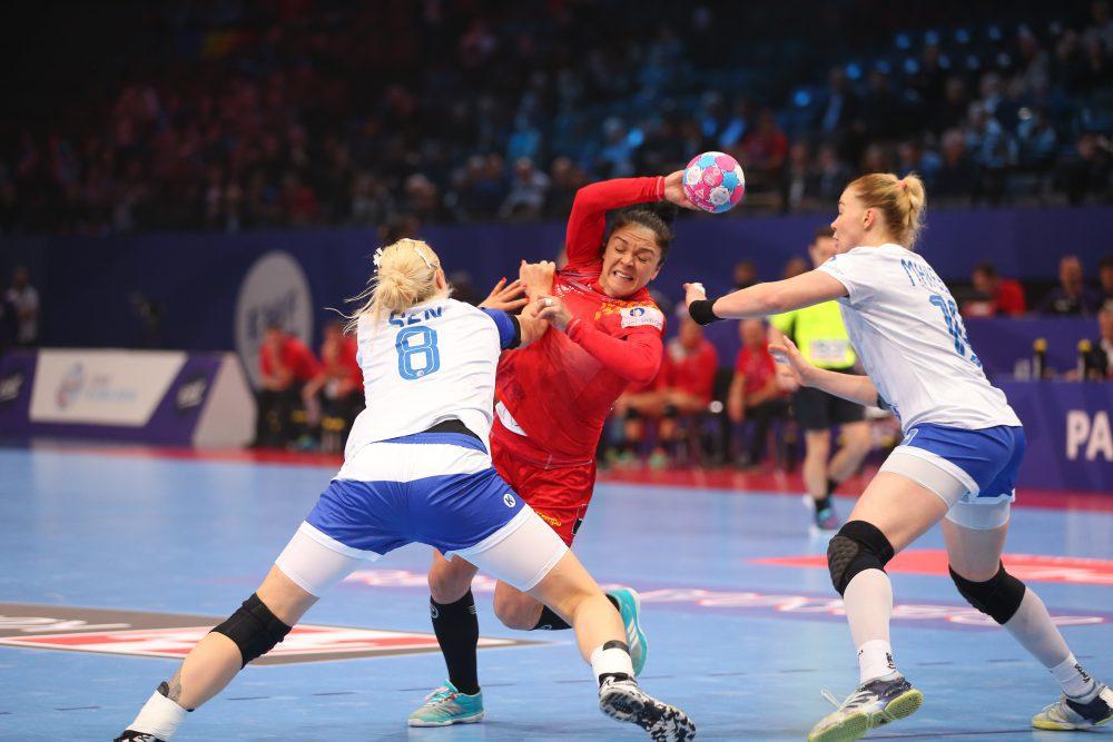 România - Rusia 22 -28. Tricolorele au pierdut fără drept de apel în semifinalele Euro 2018 de handbal feminin. Duminică, finala mică pentru bronz | VIDEO&GALERIE FOTO