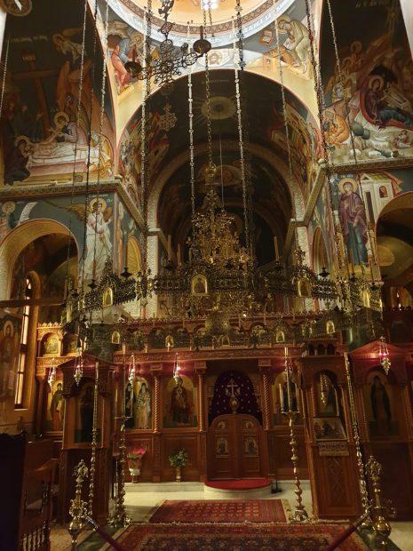 """Al doilea Athos pentru români. Mănăstirea """"Sfântul Ioan Evanghelistul"""" din Suroti, loc de pelerinaj pentru ortodocși"""