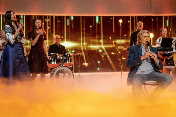 Toto Cutugno, recital emoționant la Gala Premiilor Excelsior alături de Paula Seling