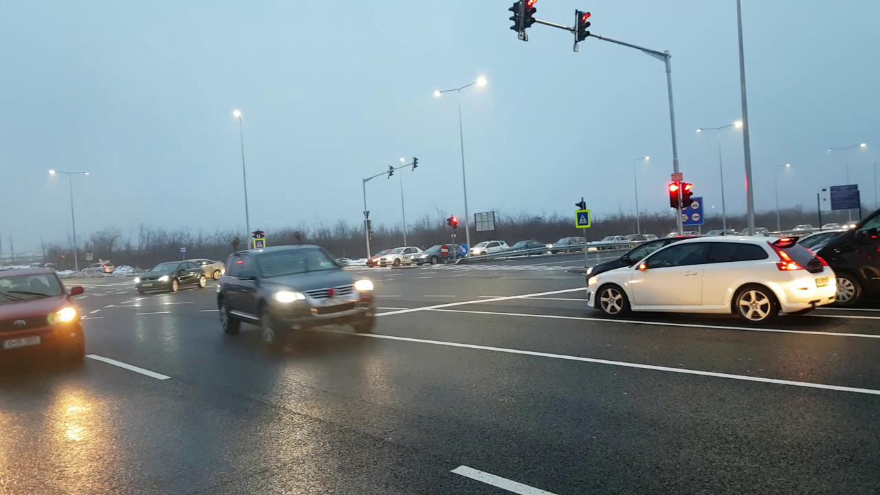 VIDEO | Prima autostradă urbană din România: a rezolvat traficul dinspre Ploiești, dar l-a blocat pe cel din București