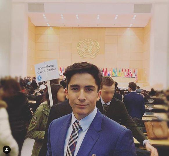 Nimeni nu l-a mai văzut astfel pe fiul Mihaelei Rădulescu. Îmbrăcat la patru ace la Biroul Naționilor Unite din Geneva