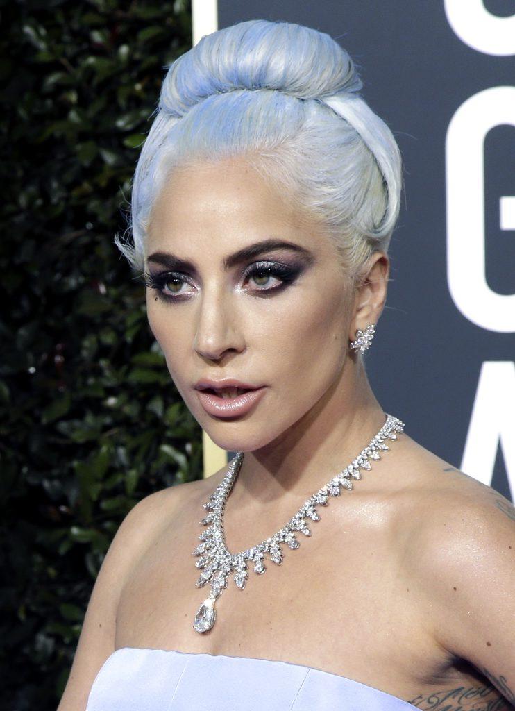 Lucruri inedite și amuzate de la Globurile de Aur 2019. O laureată Oscar a purtat sandale de 45 de dolari, în timp ce o nominalizată la Globuri a avut peste 5 milioane de dolari la gât