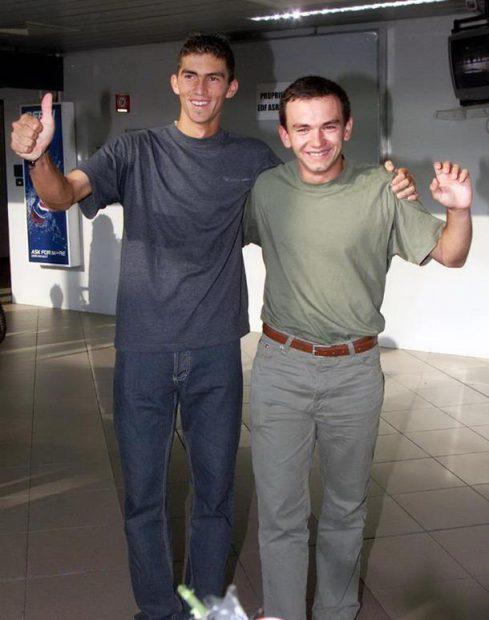 Mergea și Tecău, la aeroportul din București, după victoria din 2002 de la Wimbledon