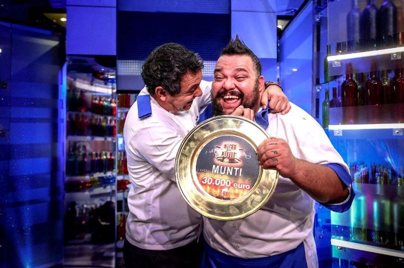 """Munti, câștigătorul de la """"Chefi la cuțite"""", le dă peste nas cârcotașilor. """"Acolo ce s-a întâmplat? Acolo cine a gătit?"""""""