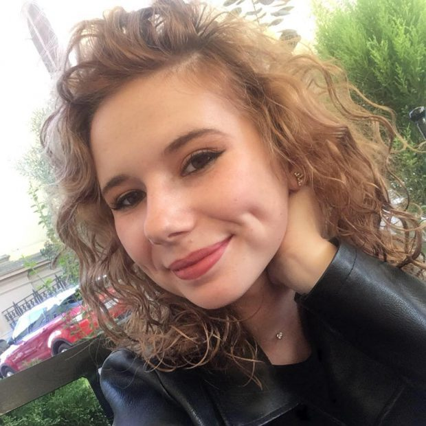 Mădălina e studentă în anul I la Facultatea de Management în Producţie şi Transporturi din Timişoara