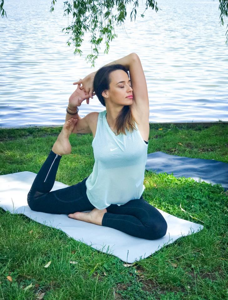 Andreea Raicu nu-și începe ziua fără yoga și meditație