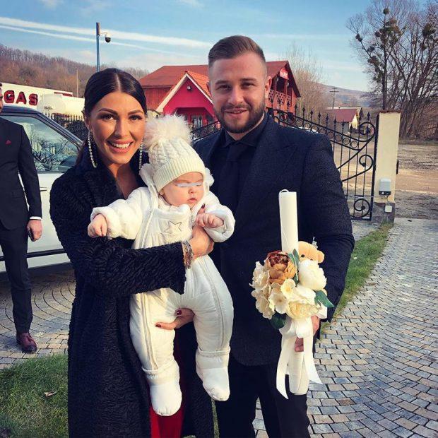 """Ilinca Vandici și soțul ei, din nou nași de botez. """"Bine ai venit în familia noastră"""""""