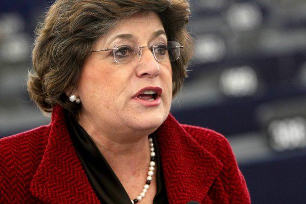 CORESPONDENȚĂ DE LA MADRID/ Liviu Dragnea, huiduit de un europarlamentar după discursul de la congresul PES: Afară cu corupţii!/ VIDEO