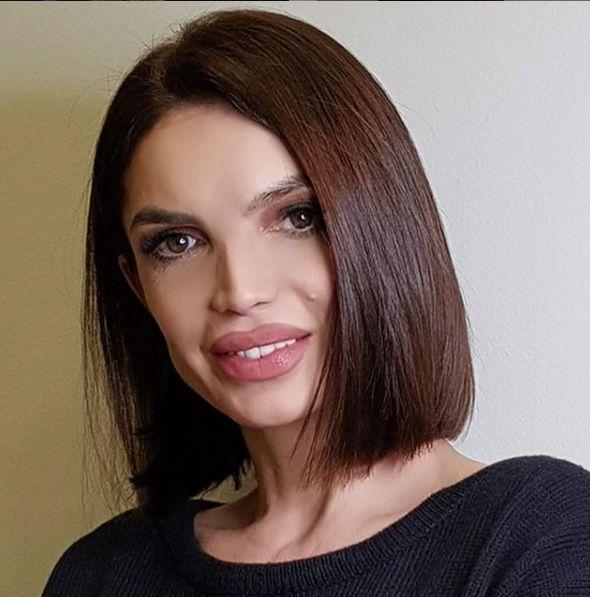 Ce schimbare de look a făcut Cristina Spătar. E spectaculoasă