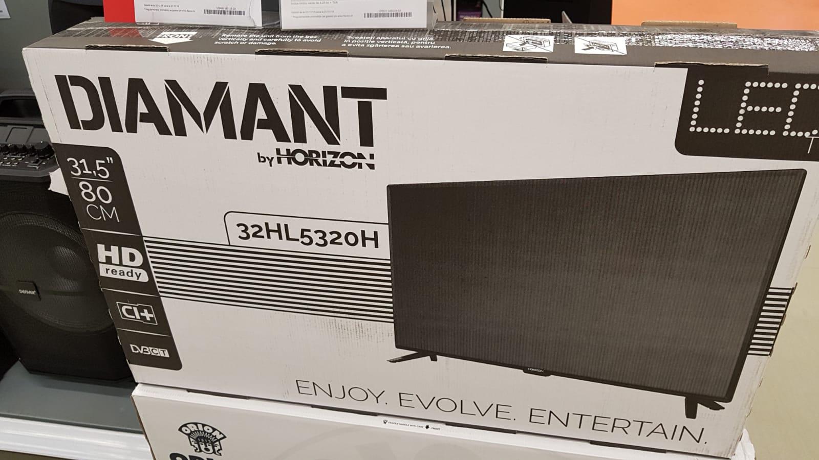 Televizoarele Diamant revin pe piață. Televizor Diamant by Horizon într-un magazin